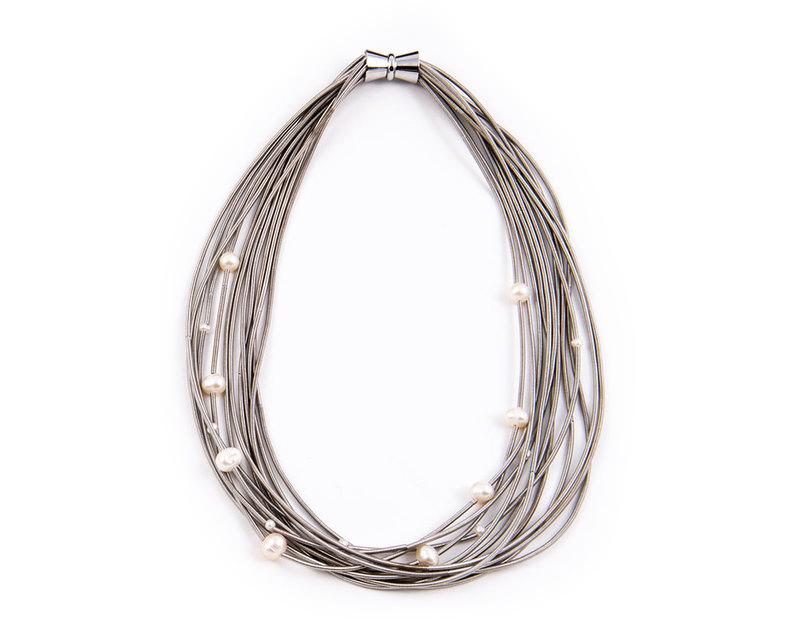 Silver pearls piano wire necklace